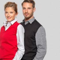 Pullovers og cardigans i strik med V-hals og logo