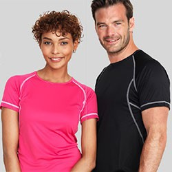T-shirts med kontrast faver og logo tryk