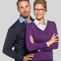 Pullovers i strik med V-hals og logo